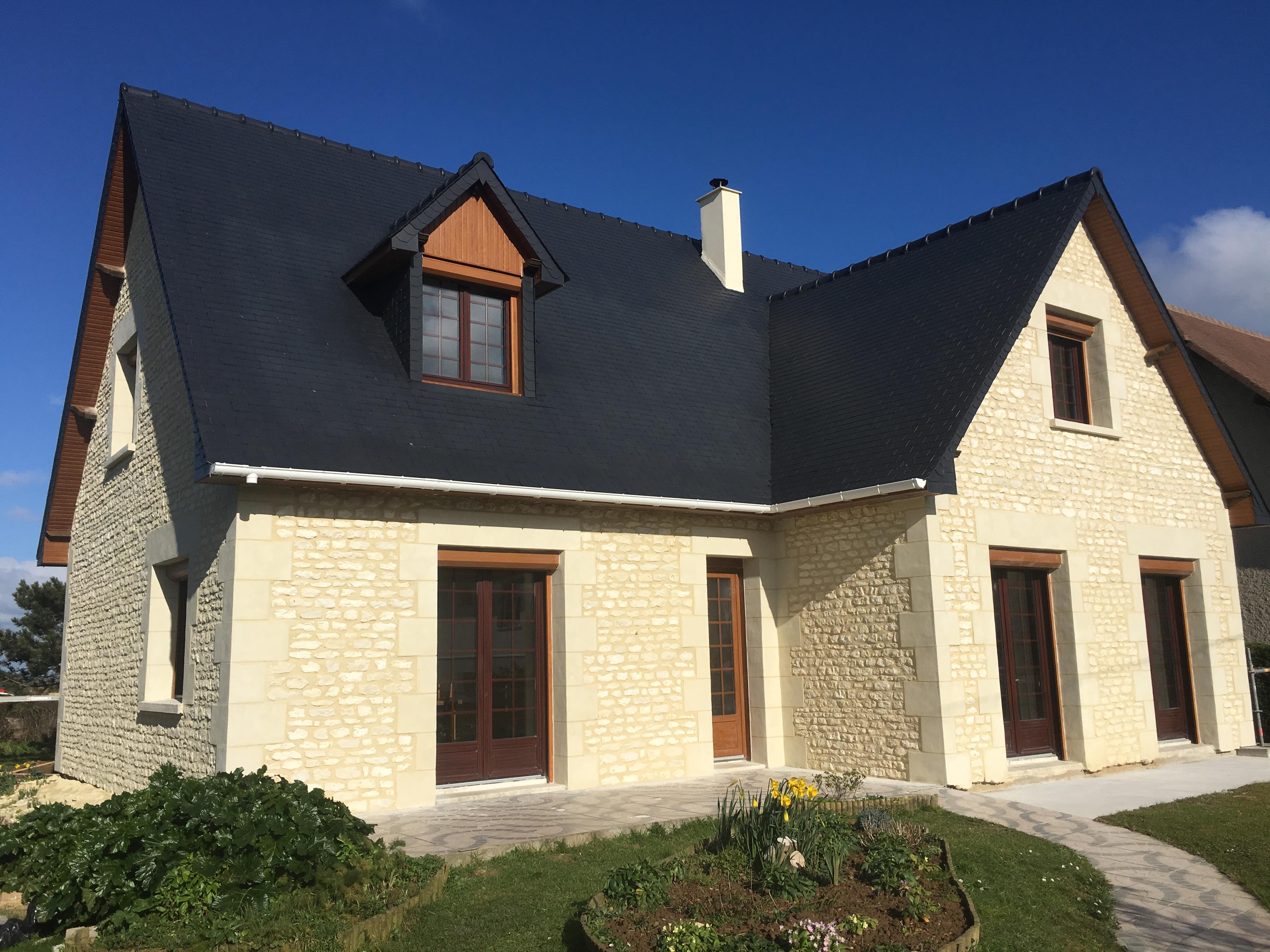 Constructeur De Maison Chartres joint à la chaux, façade en pierre situé à chartres 28000